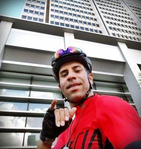 Llegando al trabajo en bicicleta.