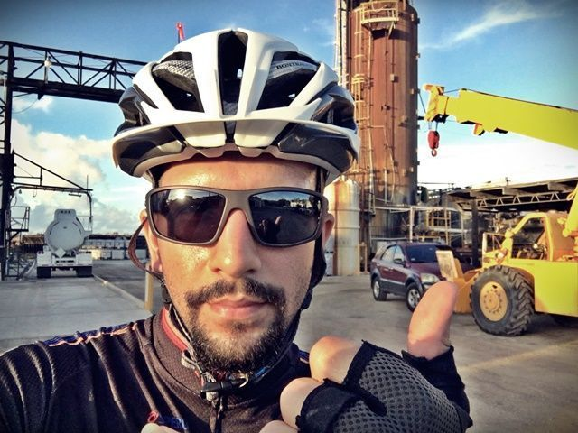 ¡Todo bien en la llegada al trabajo en bicicleta!