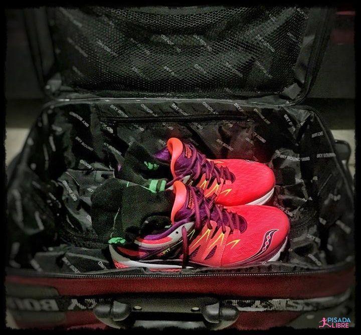 Tenis y maleta