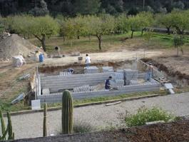 Encofrado de la construcción de una piscina
