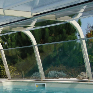 L'abri haut Asymétrique détient une utilisation simple grâce à ses panneaux adaptés