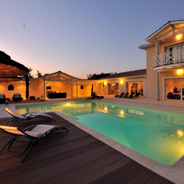 La piscine en forme de L AQUADISCOUNT