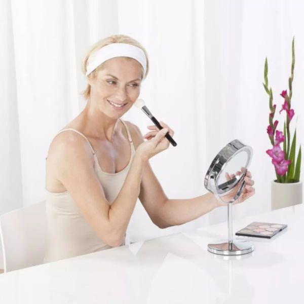 Oglindă Medisana pentru cosmetică și machiaj cu lumină 2 în 1 CM 840