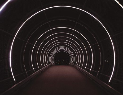 W poszukiwaniu światła – nadać sens stracie