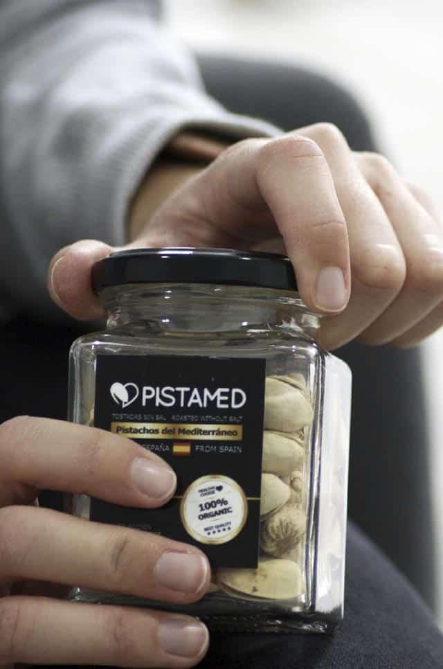 Bote de pistachos en cristal