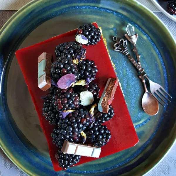 tarta de pistachos y moras