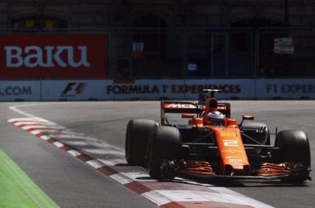 Stoffel Vandoorne - McLaren - Azerbaiyán - Carrera