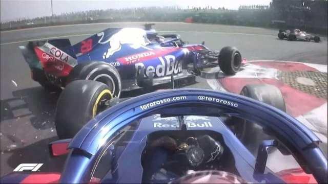 Gasly choca contra su compañero de equipo, Brendon Hartley