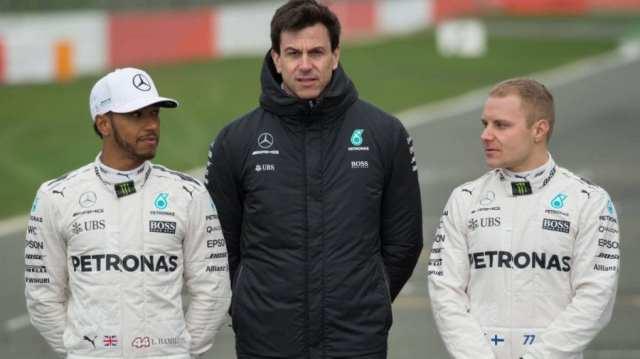 Mercedes tiene varias opciones para su alineación de pilotos en 2022