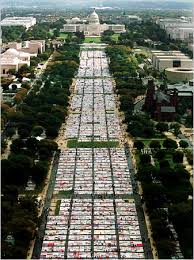 view of the Quilt on the National Mall
