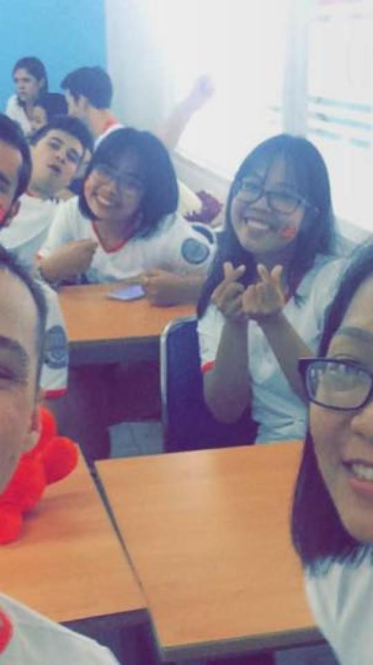 group in class.jpg