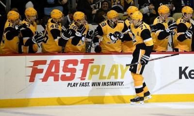 Pittsburgh Penguins score by Evgeni Malkin