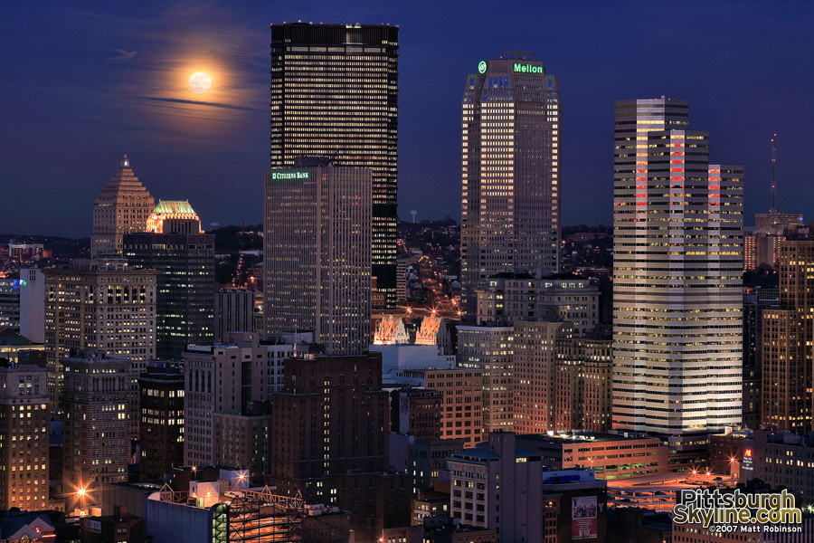 Moon rises over the Burgh