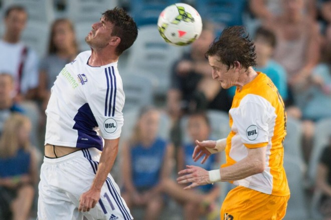 Captain Danny Earls returns to the lineup for the Riverhounds in their important clash with the Charleston Battery.