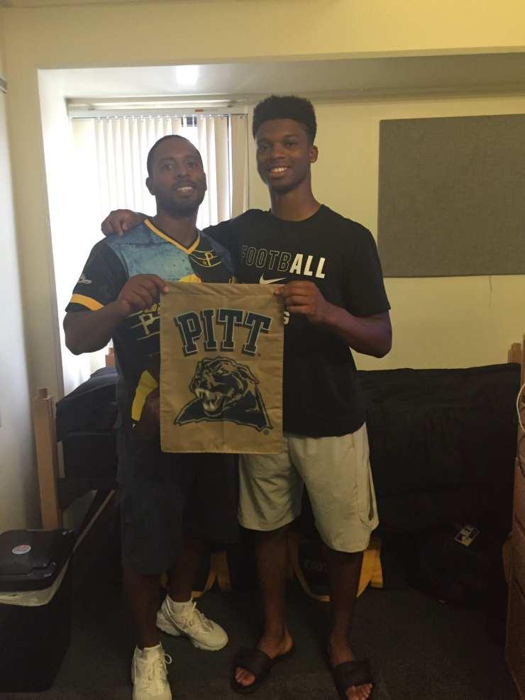 Pitt freshman Damar Hamlin moving in to his dorm