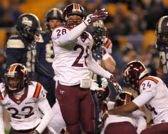 VT recovers turnover October 27, 2016 (Photo credit: David Hague)