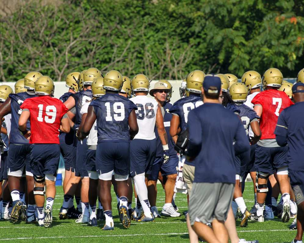 Pat Narduzzi with Team August 1, 2017 (Photo by David Hague)
