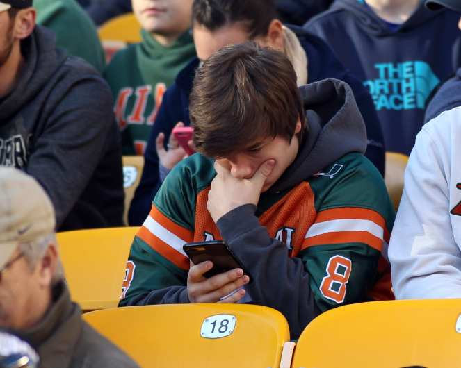 Sad Miami Fan November 24, 2017 -- DAVID HAGUE/PSN