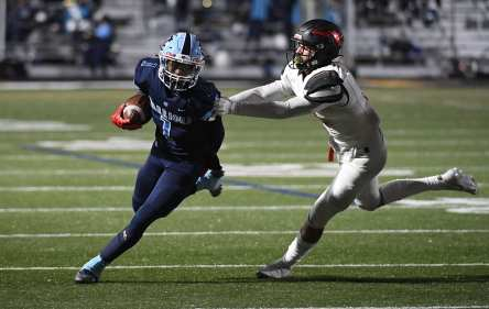 PITTSBURGH, PENNSYLVANIA - NOVEMBER 13: Myles Walker (1) during the WPIAL Class 3-A Football Championship game at Newman Stadium on November 13, 2020 in Pittsburgh, Pennsylvania (Photo by Justin Berl)