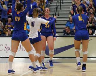 Pitt volleyball celebrates a point October 5, 2018 -- DAVID HAGUE
