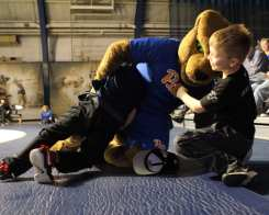Roc Wrestles kids before the Pitt Wrestling match December 15, 2018 -- David Hague/PSN
