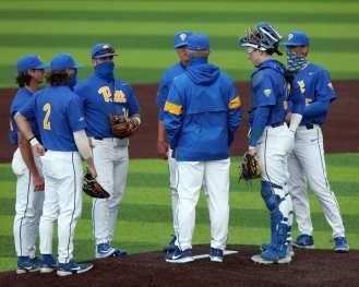 Pitt infield discussion Pitt Baseball March 28, 2021 - Photo by David Hague/PSN