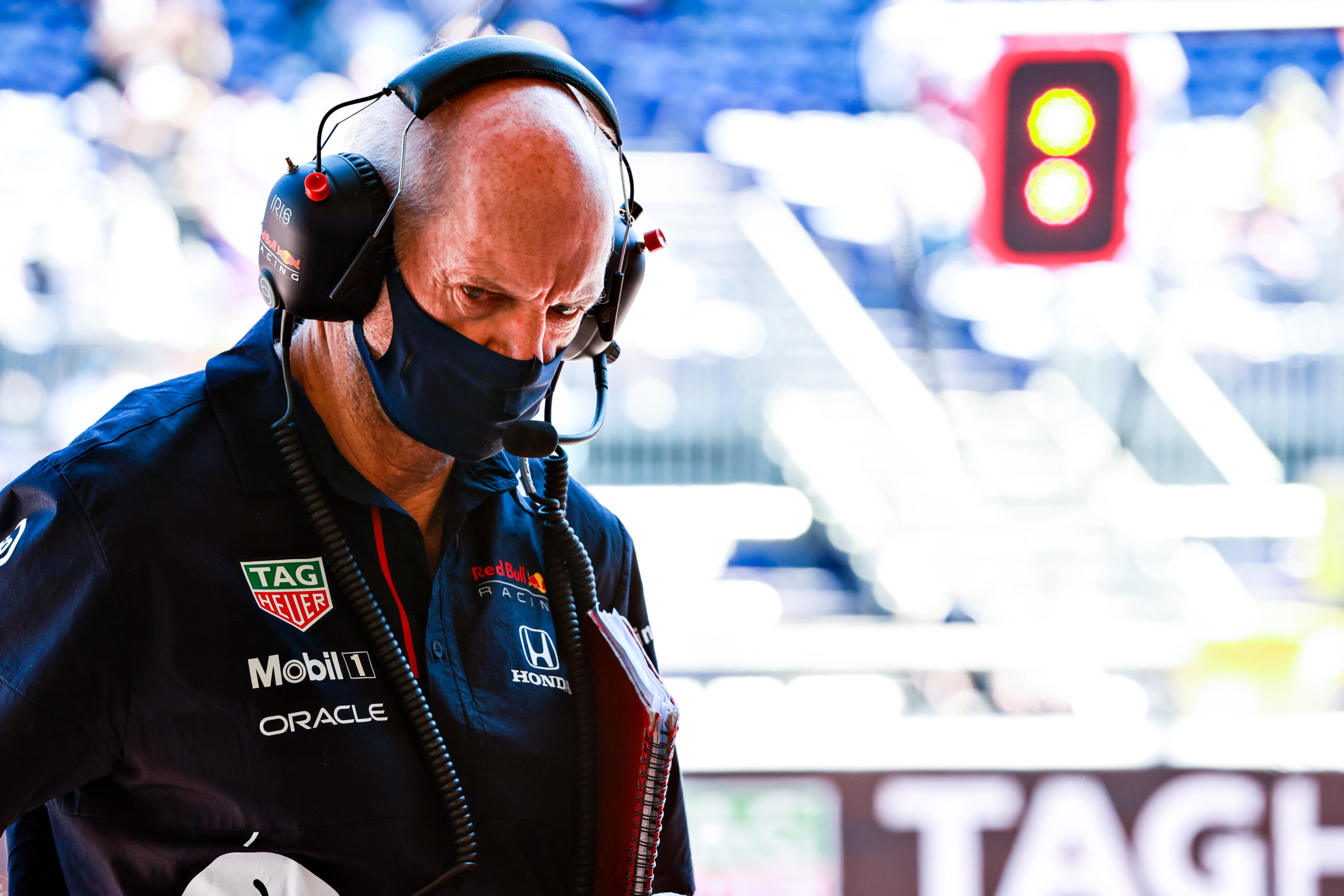 MONTE-CARLO, MONACO - MAY 20: Adrian Newey, the Chief Technical Officer of Red Bull Racing looks on in the garage during practice ahead of the F1 Grand Prix of Monaco at Circuit de Monaco on May 20, 2021 in Monte-Carlo, Monaco. (Photo by Mark Thompson/Getty Images) // Getty Images / Red Bull Content Pool  // SI202105201047 // Usage for editorial use only //