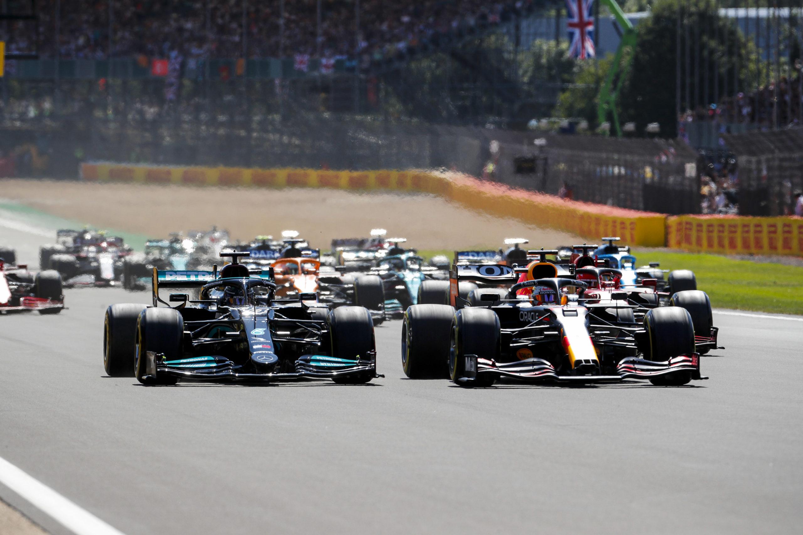 2021 British Grand Prix, Sunday - LAT Images, Lewis Hamilton, Max Verstappen