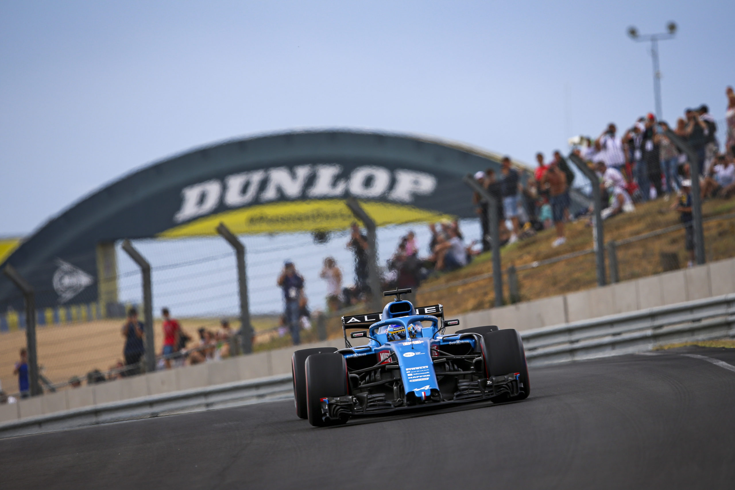 Alonso Fernando (spa), Alpine F1, action during the Alpine Parade prior the 24 Hours of Le Mans 2021, 4th round of the 2021 FIA World Endurance Championship, FIA WEC, on the Circuit de la Sarthe, on August 21 , 2021 in Le Mans, France - Photo Joao Filipe / DPPI