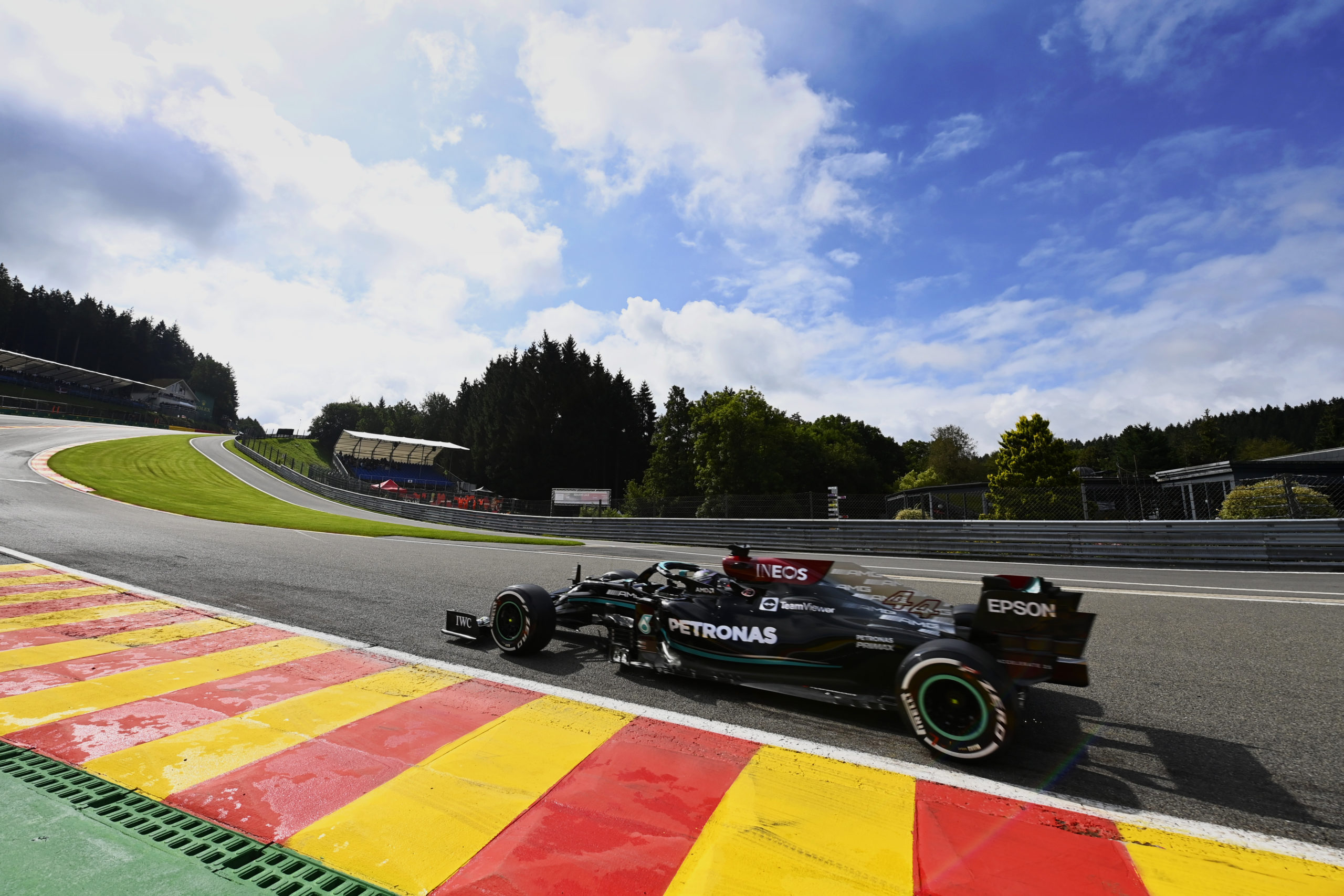 Lewis Hamilton, Mercedes, 2021 Belgian Grand Prix, Friday - LAT Images