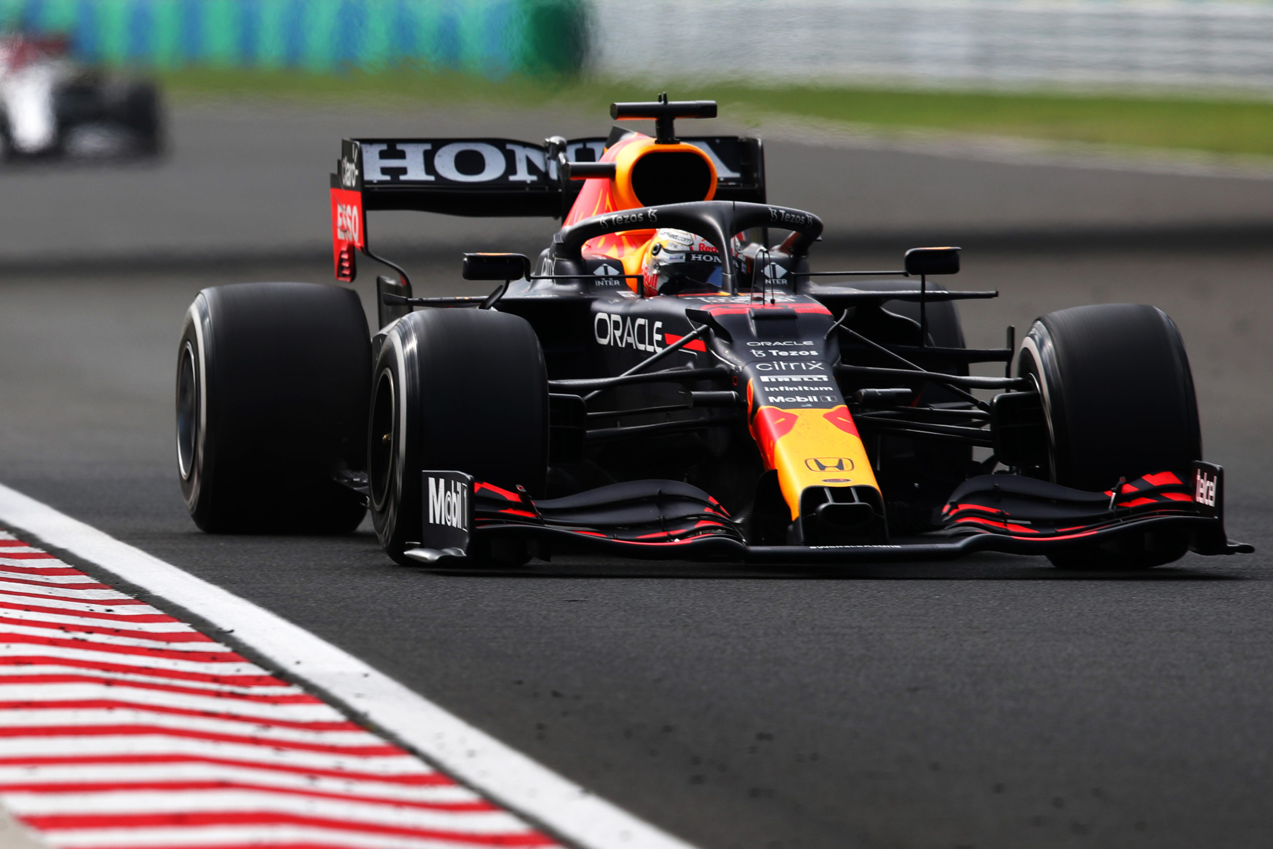 BUDAPEST, HUNGARY - AUGUST 01: Max Verstappen of the Netherlands driving the (33) Red Bull Racing RB16B Honda during the F1 Grand Prix of Hungary at Hungaroring on August 01, 2021 in Budapest, Hungary. (Photo by Getty Images/Getty Images) // Getty Images / Red Bull Content Pool  // SI202108010464 // Usage for editorial use only //