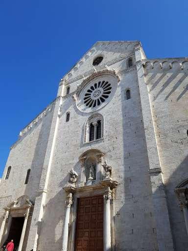 bari-piumondopossibile-basilica-san-nicola