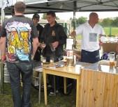 """Przegląd piwnych koszulek. Od lewej: Matuška, IPA Strahov i """"cipki"""" Ševčíka z Piwnego Tramwaju"""