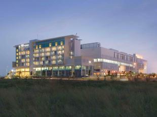 Alamat dan Tarif Hotel Santika BSD City Serpong - Mulai dari USD 52 - 187093 14010409270018003494