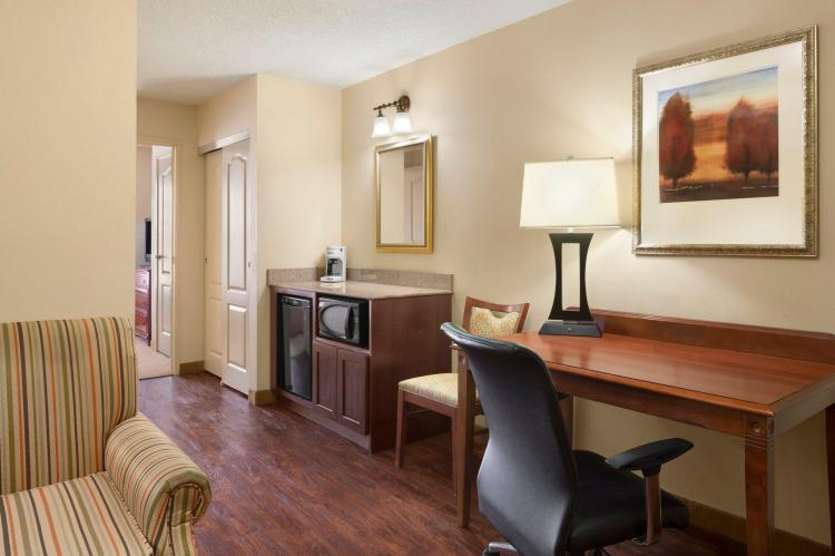 Country Inn & Suites by Radisson, Baltimore North, MD