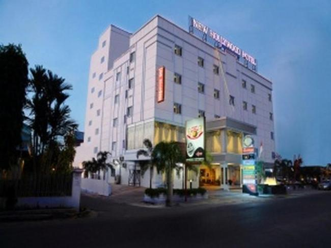 New Hollywood Hotel