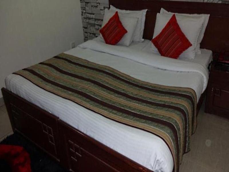 Hotel Atithi New Delhi India Booking Best Price deals Best Hoels in New Delhi-5