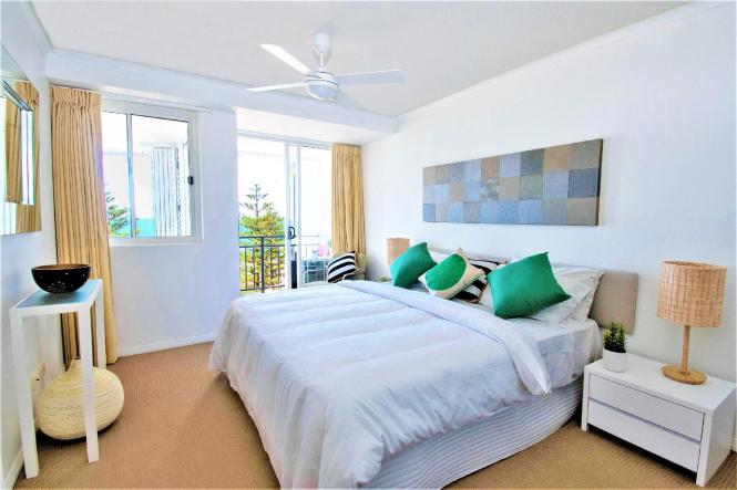 2 Bedroom Ocean View Apartment Bed