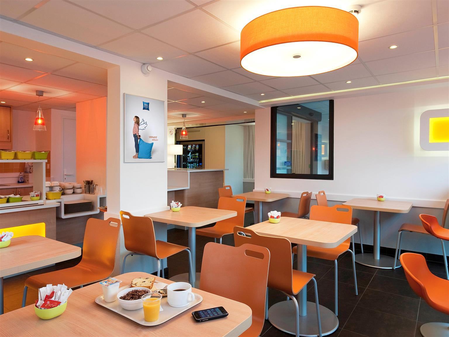 ibis budget Porte D Orleans in Paris   Room Deals  Photos   Reviews Coffee shop ibis budget Porte D Orleans