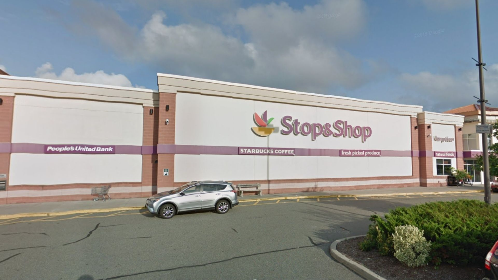 Stop & Shop grocery store in West Hempstead, Long Island. (Google Maps)