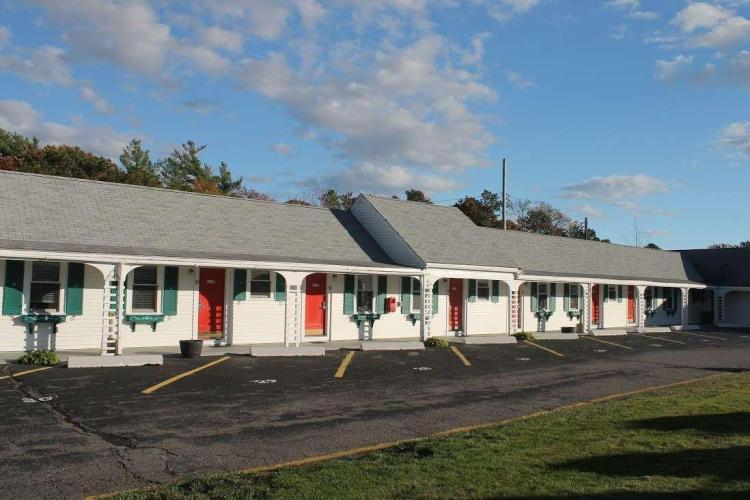 Knights Inn  Centerville MA