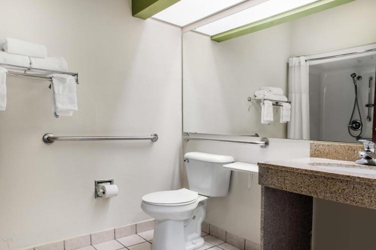 Quality Inn & Suites Anderson I-69