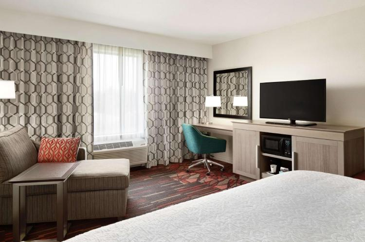 Hampton Inn and Suites St. Louis Alton
