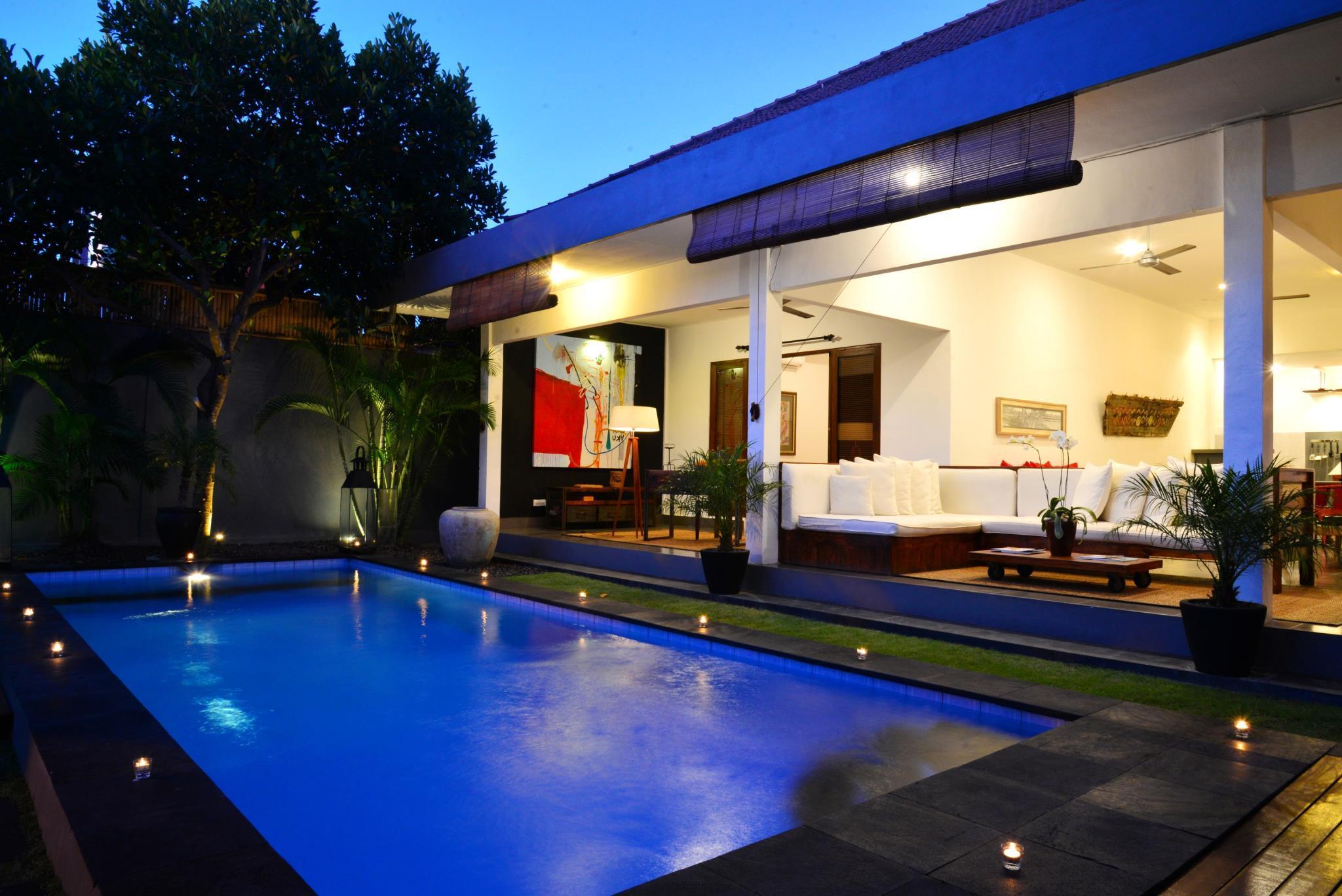 Holiday Villa Qatar Contact