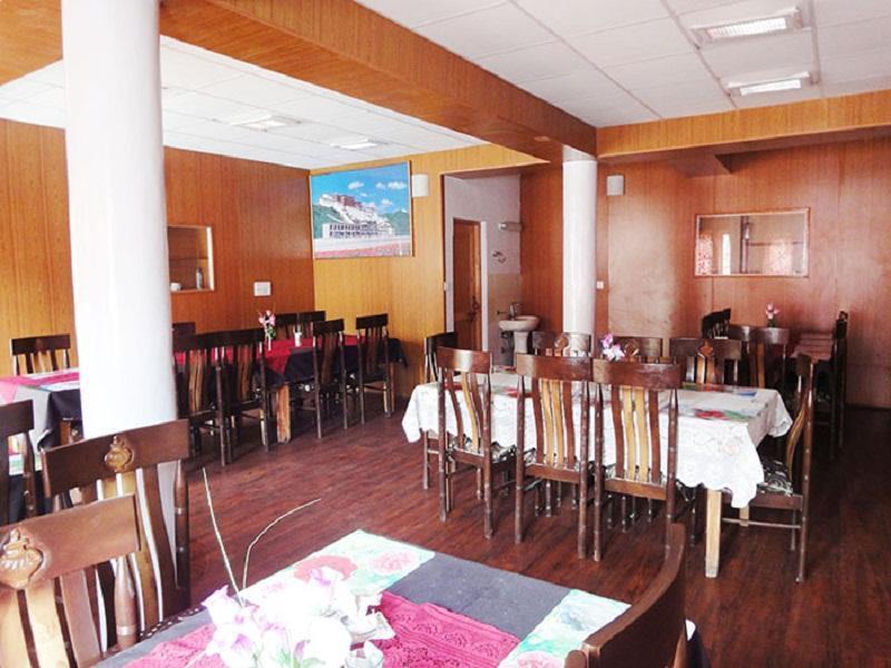 Kanika Himalayan View Hotel Leh India Booking Best Price deals Best Hoels in Leh-4