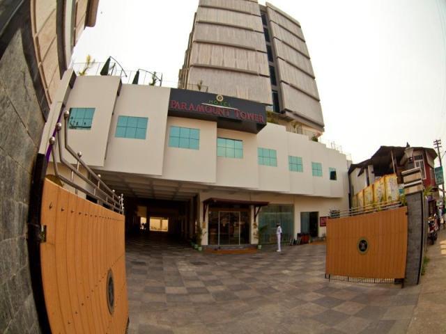 Hotel Paramount Tower