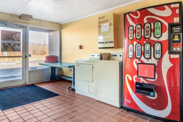 Red Roof Inn Ashtabula - Austinburg