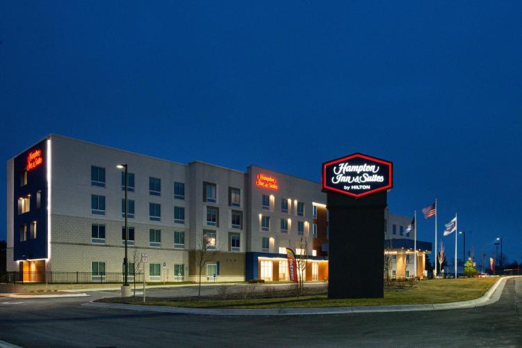Hampton Inn & Suites Adrian, MI