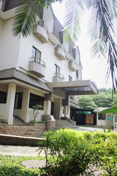 Chandra Residence