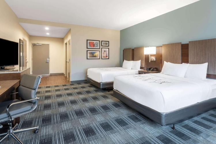 La Quinta Inn & Suites by Wyndham Aberdeen-APG